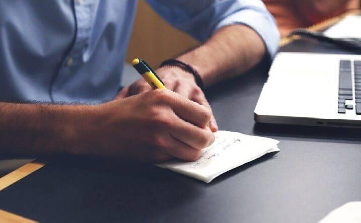 Οι 3 φάσεις για τις ασφαλιστικές στην πανδημία Σύμφωνα με την Deloitte έως το 2021, οι ασφαλιστές θα πρέπει να εξετάσουν ένα συνδυασμό επιθετικών και αμυντικών ενεργειών