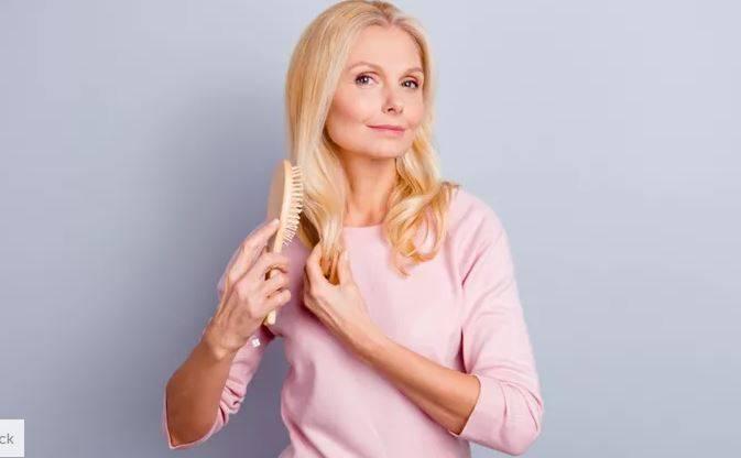 For Hair: Οι αλλαγές στα μαλλιά μας καθώς μεγαλώνουμε